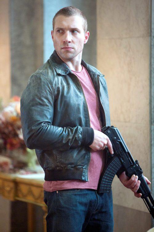 "Jail Courtney como ""Jack"" McClane"