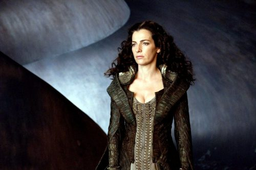Ayelet Zurer como Lara